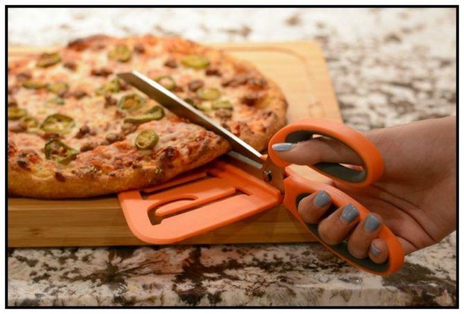 2 em 1: Cortando e Servindo a Pizza