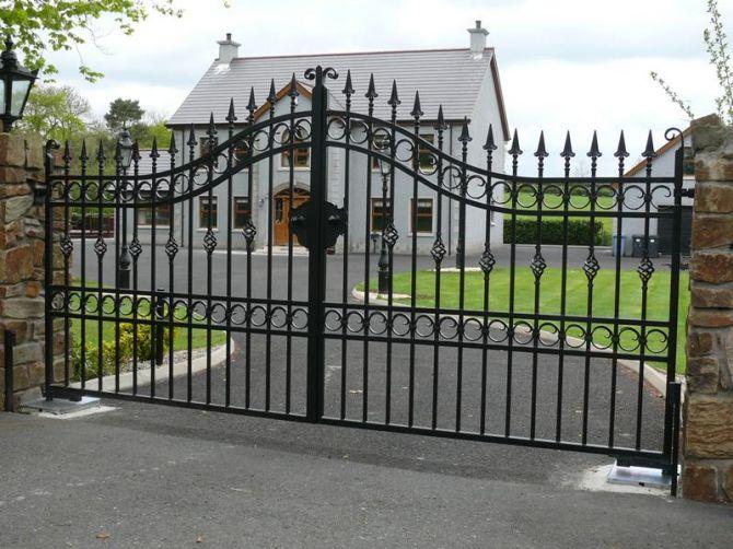 O portão com abertura em duas folhas é o mais tradicional