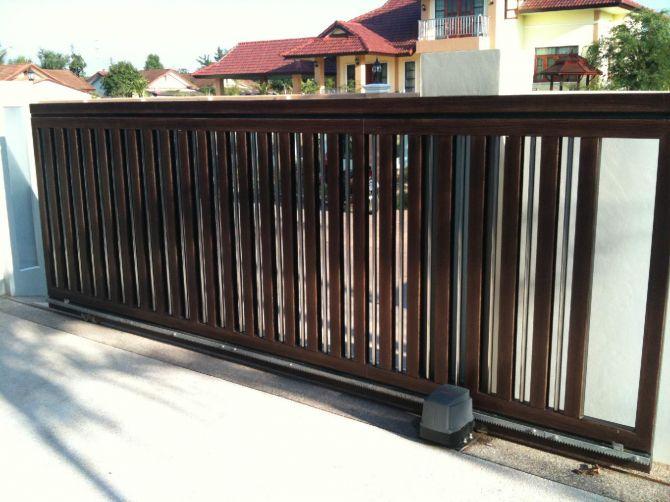 O portão eletrônico oferece comodidade e é considerado mais seguro