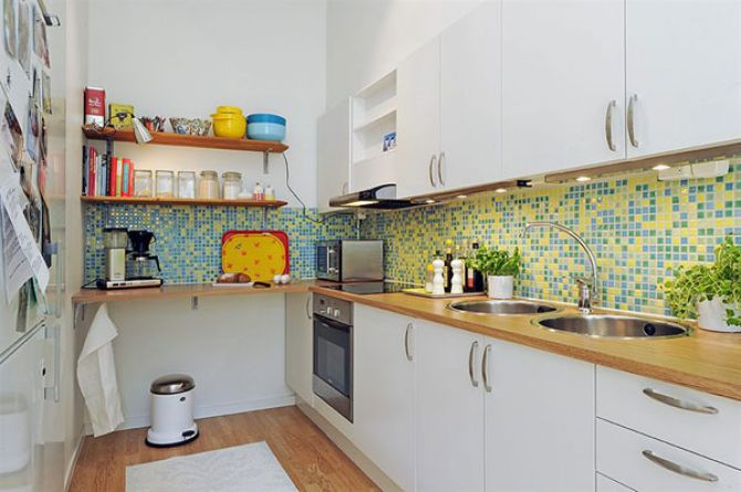 Pastilha adesiva ao redor da cozinha